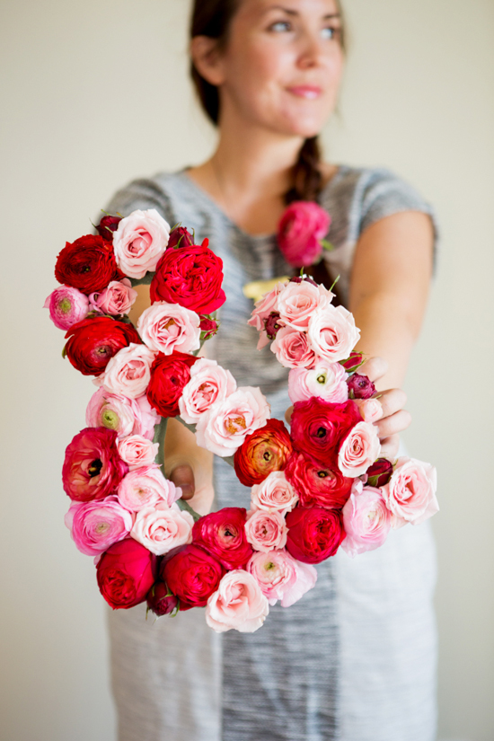 Make This: Giant Fresh Flower Ampersand DIY | Papernstitch | Pinterest Picks - Valentine's Day Inspiration